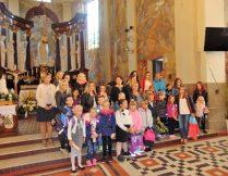 Więcej o Pierwszaki z plecakami w kościele